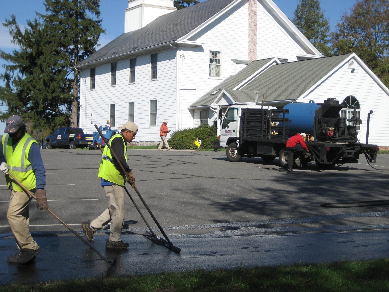 church_parking_lot_sealcoating.jpg